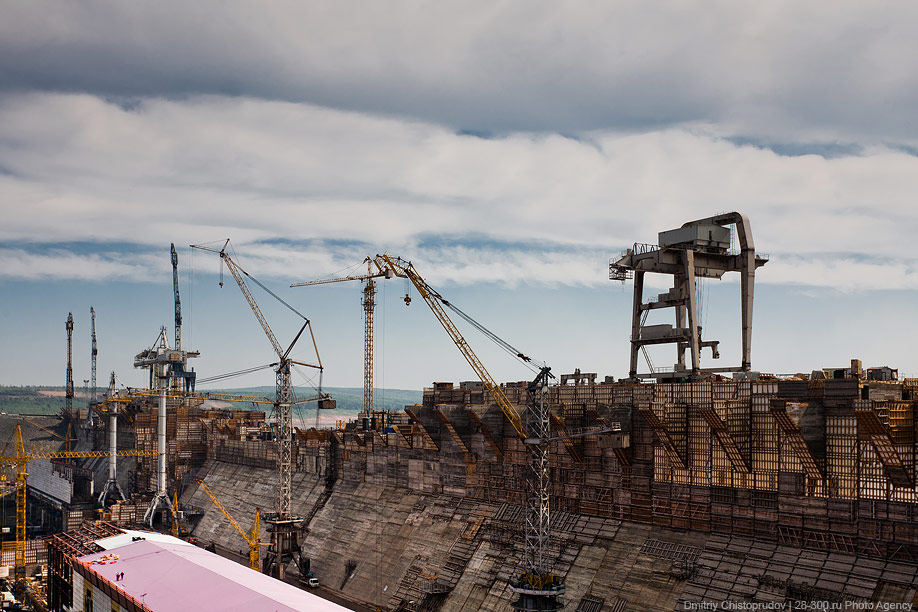 Строительство ГЭС было