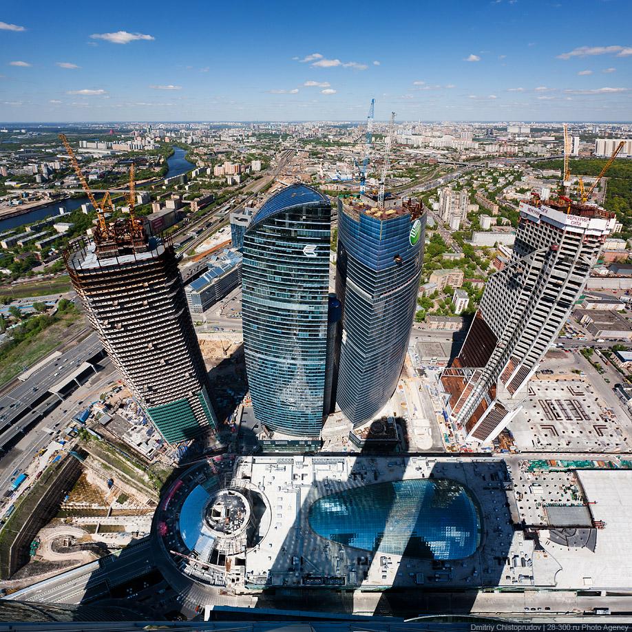 http://images.chistoprudov.ru/lj/roofs/gorod_stolits_9_may/up_how/12.jpg