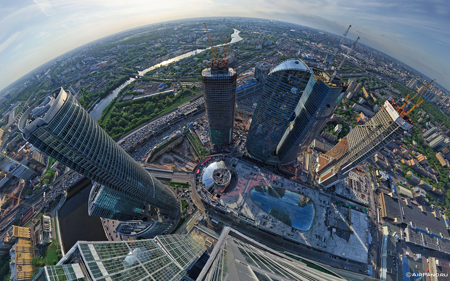 http://images.chistoprudov.ru/lj/roofs/gorod_stolits_airpano/02.jpg