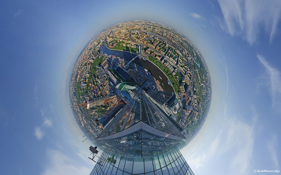 http://images.chistoprudov.ru/lj/roofs/gorod_stolits_airpano/08.jpg
