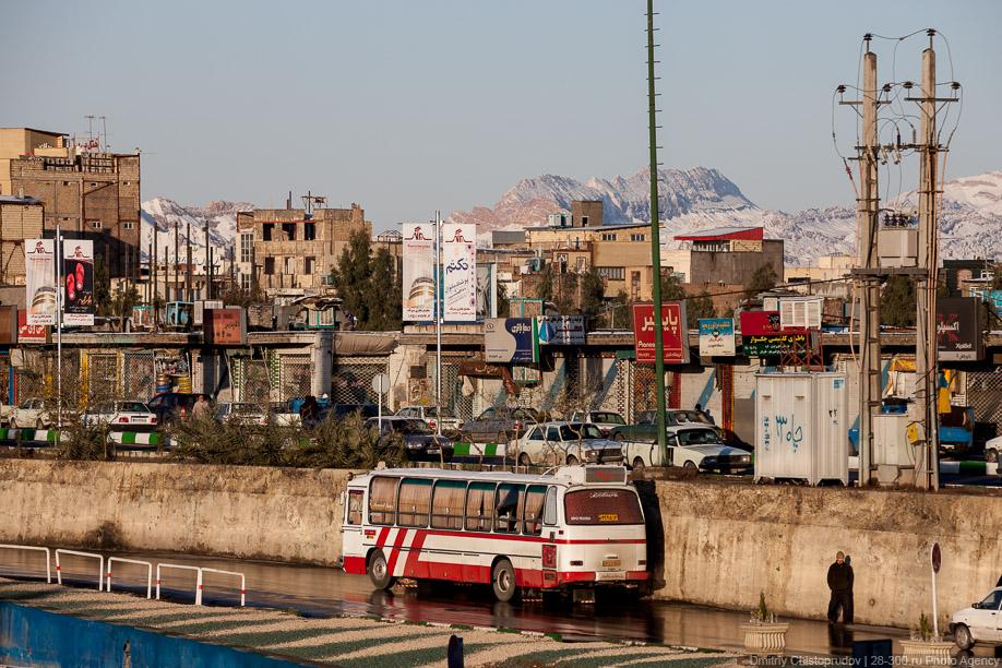 16 Иран. Город Кум и дорога в Исфахан, Иранские правила дорожного движения