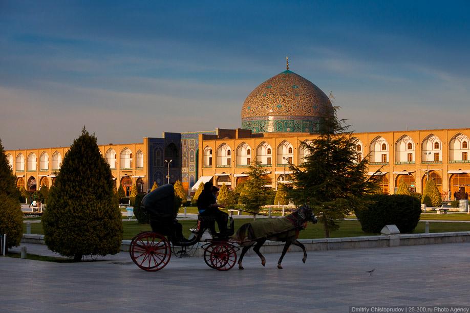 45 Иран. Город Кум и дорога в Исфахан, Иранские правила дорожного движения