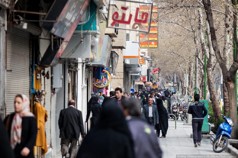 02 Иран. Город Кум и дорога в Исфахан, Иранские правила дорожного движения