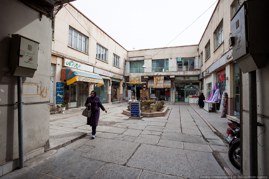 03 Иран. Город Кум и дорога в Исфахан, Иранские правила дорожного движения