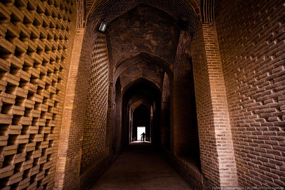 26 Иран. Город Кум и дорога в Исфахан, Иранские правила дорожного движения