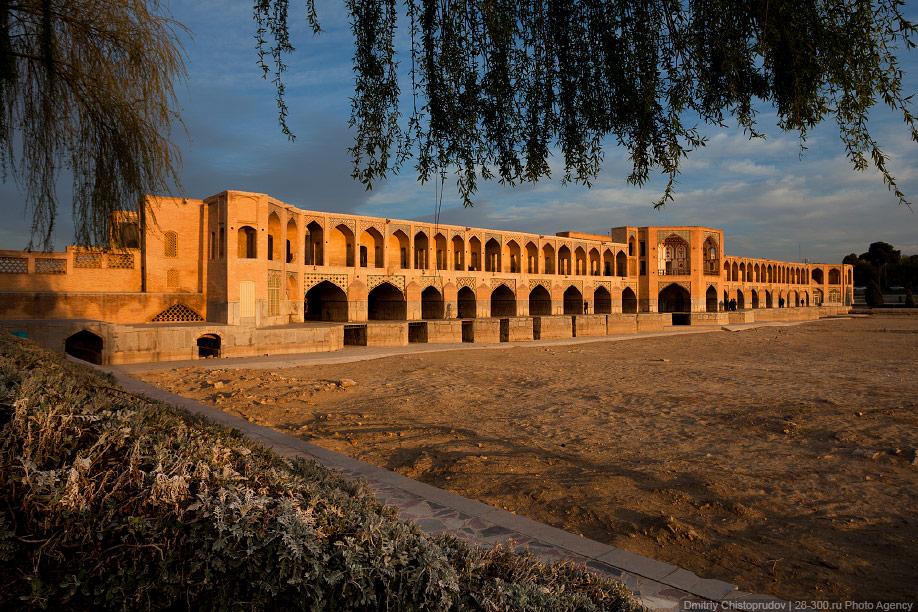 27 Иран. Город Кум и дорога в Исфахан, Иранские правила дорожного движения