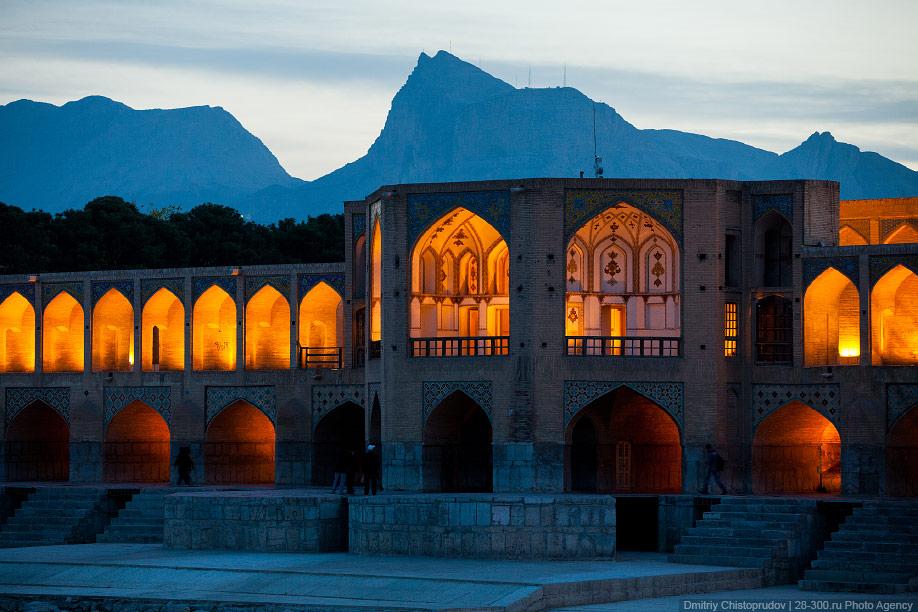 31 Иран. Город Кум и дорога в Исфахан, Иранские правила дорожного движения