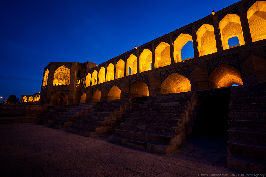 32 Иран. Город Кум и дорога в Исфахан, Иранские правила дорожного движения