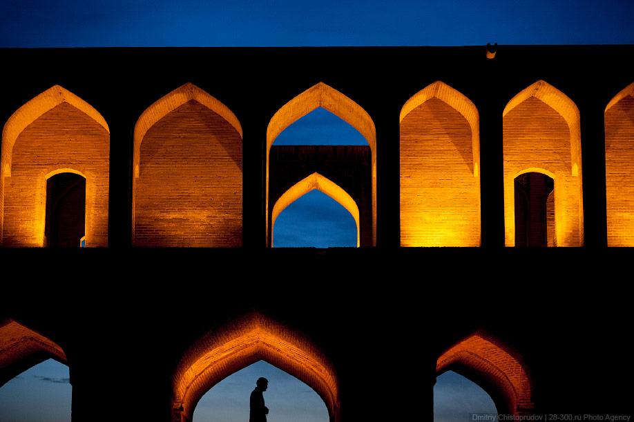 33 Иран. Город Кум и дорога в Исфахан, Иранские правила дорожного движения