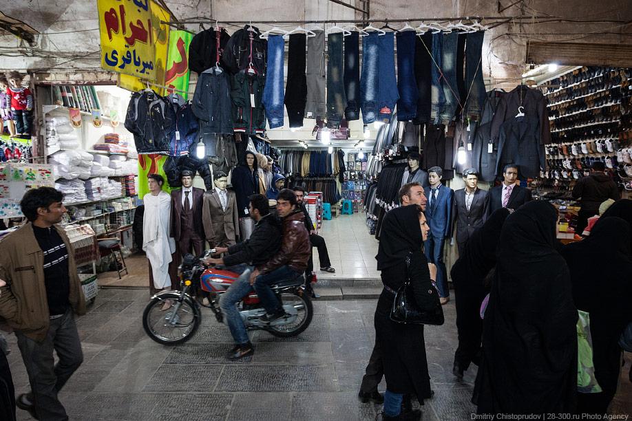 08 Иран. Город Кум и дорога в Исфахан, Иранские правила дорожного движения