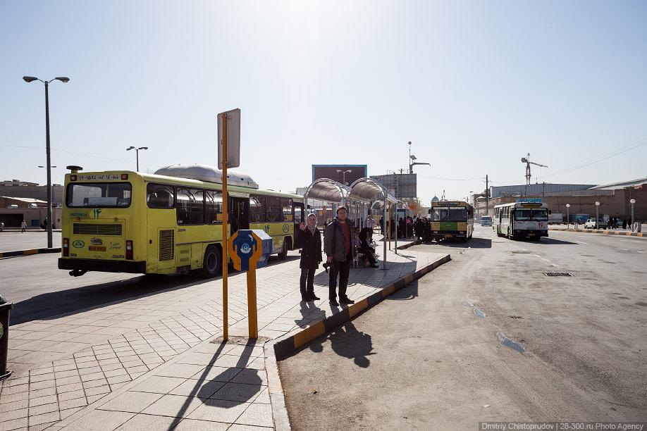15 Иран. Город Кум и дорога в Исфахан, Иранские правила дорожного движения