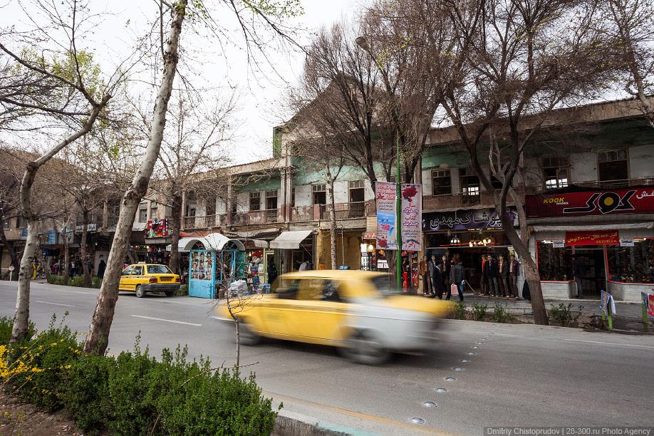17 Иран. Город Кум и дорога в Исфахан, Иранские правила дорожного движения